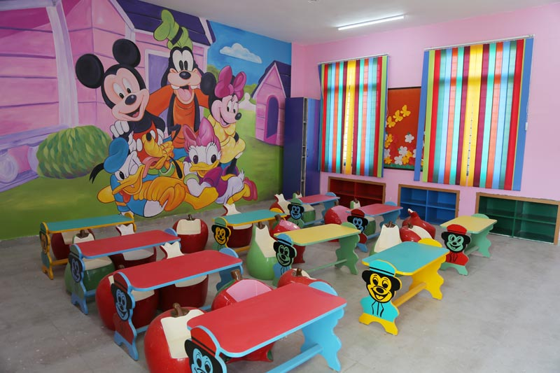 Kids classroom activity in hopper playway projects for Activity room decoration