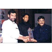 Award 02