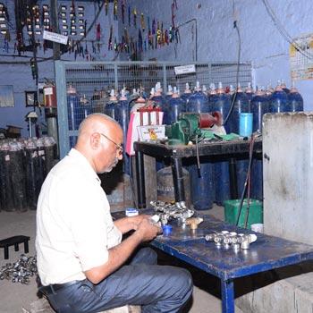Cylinder Testing Station -3