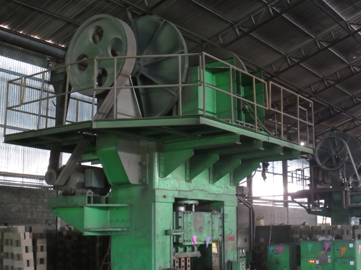 800 Ton and 400 Ton Press