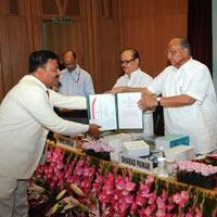 Sandeep Goel Taking Jagjivan Ram Abhinav Kisan Puraskar 2012 By Agriculture Minister