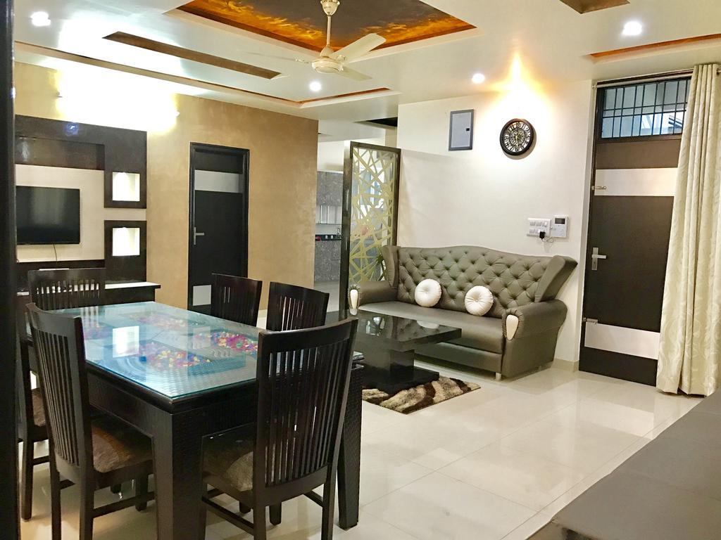 Service Apartments & Guest Houses