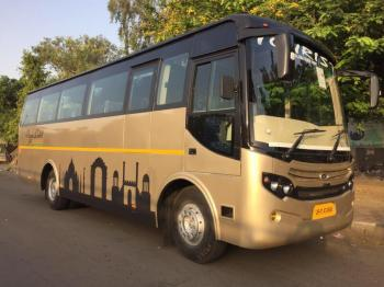 35 Str Luxury Coach