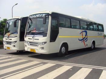 45 Str Luxury Coach