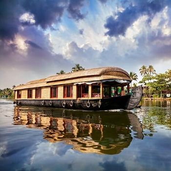 Houseboat Booking in Panaji