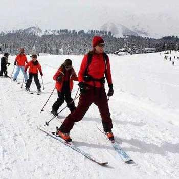 Skiing in Kashmir