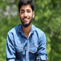 Aaga Ashtar Kashmiri / Snow Board Guide